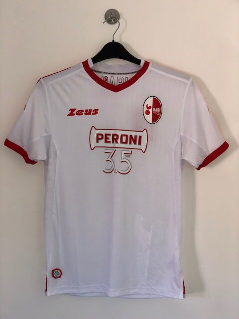 CC152 Bari 2017 18 Home Zeus Medium BNWT